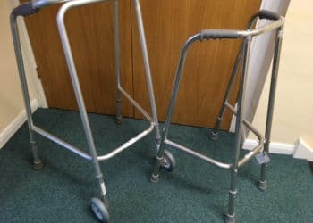 Wheeled walking frame and non wheeled walking frame